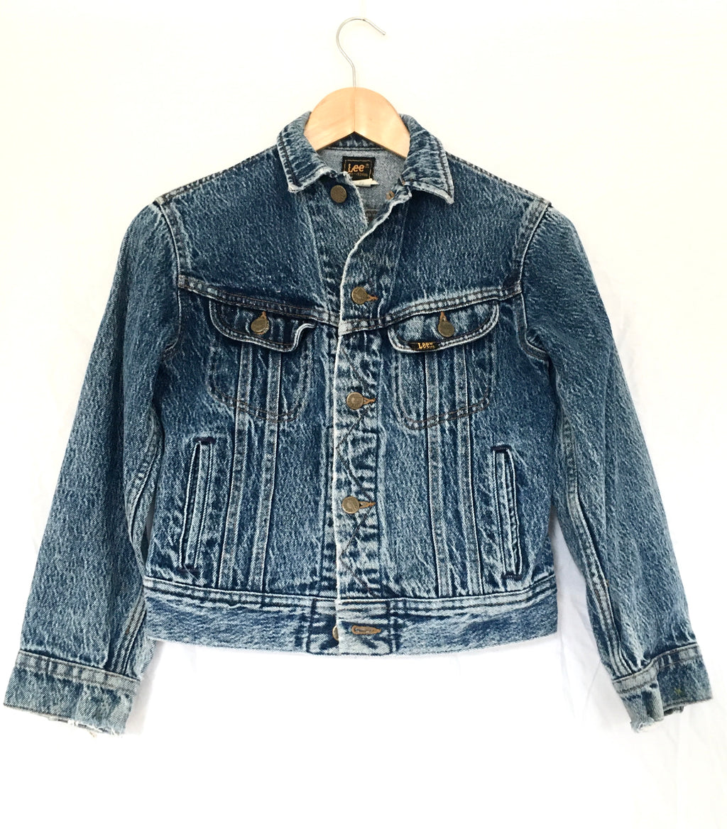 "LEE brand vintage denim jacket in dark acid wash  100% cotton  perfect vintage condition, nice fading and distressing on cuffs  Sleeve length 19"", bust 16.5"" (armpit to armpit)  Size XS (kids 12)"