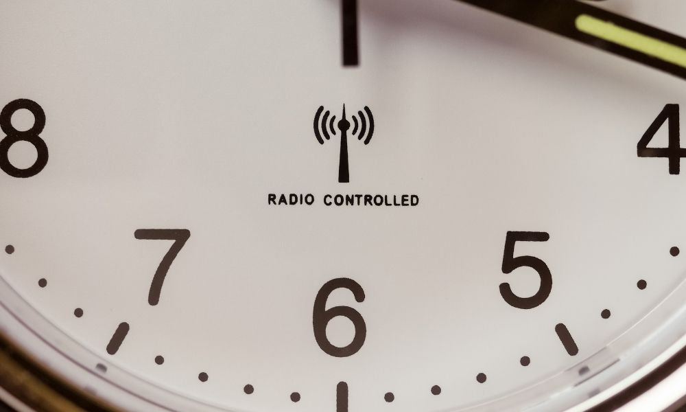 How a Radio-Controlled Clock Works