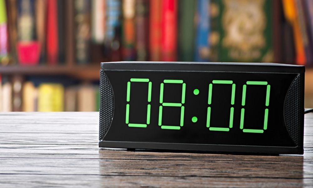 Benefits of Large Digital Clocks for the Visually Impaired