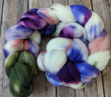 Load image into Gallery viewer, Midsummer night's dream - SW targhee sock fiber