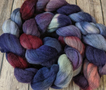 Load image into Gallery viewer, Dusken Glow - mixed merino fiber
