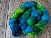 Load image into Gallery viewer, Lagoon - targhee bamboo silk fiber 4.3 oz