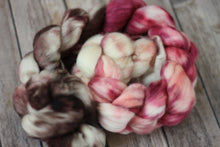 Load image into Gallery viewer, Dogwood - superwash merino sock fiber