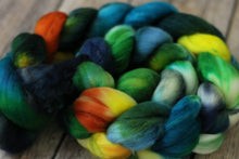 Load image into Gallery viewer, Black River Sunset -superwash merino 4.3 oz braid