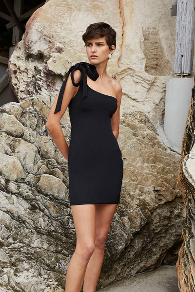 Lean Shoulder Mini Dress - Black