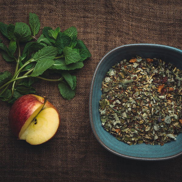 This flavoursome and artisanal organic infusion is ideally consumed after a good meal to facilitate digestion.  Ingredients: Mulberry leaves, dried apples, fennel seeds, peppermint, rosehip and blackcurrant. - Official online shop