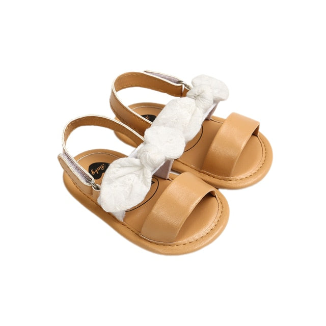 Ivy Sandals in white