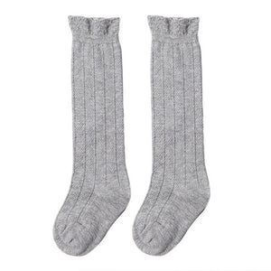 Cable knit socks in grey