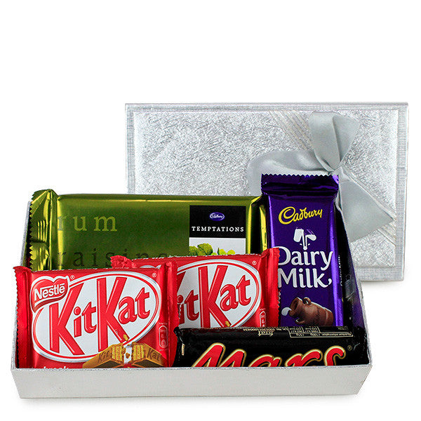 chocolate christmas hampers by Hallmark India