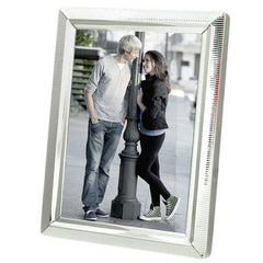 love frames for photos by Hallmark India