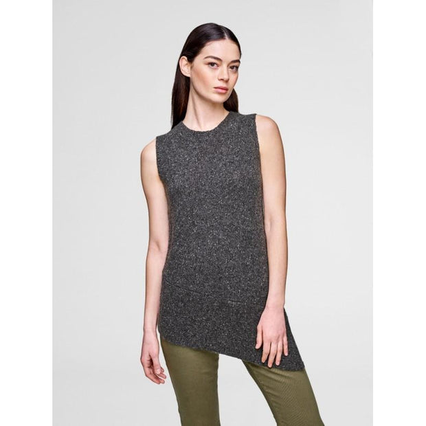 ASYMMETRICAL SLEEVELESS CREW