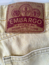 Load image into Gallery viewer, 1980s vintage pale yellow high waist jeans M