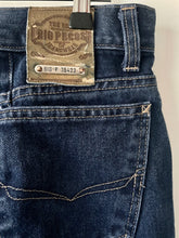 Load image into Gallery viewer, High waist vintage blue denim jeans 32 32 M