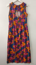 Load image into Gallery viewer, 1960s funky flower maxi vintage dress M