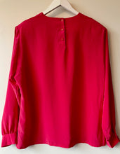 Load image into Gallery viewer, Pendleton 1980s vintage pink silky blouse L