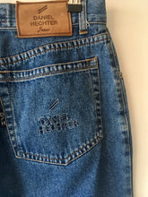 Load image into Gallery viewer, 1990s vintage high waist blue denim jeans M