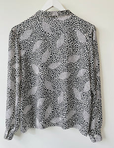 Vintage 1980s animal print black and white long sleeve blouse M/L
