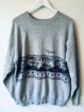 Load image into Gallery viewer, Grey ski sweatshirt
