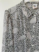 Load image into Gallery viewer, Vintage 1980s animal print black and white long sleeve blouse M/L