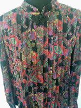 Load image into Gallery viewer, 1970s/1980s long dress with pleats. M/L