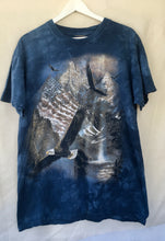 Load image into Gallery viewer, Soaring eagle tee shirt.