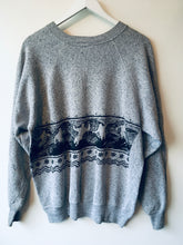 Load image into Gallery viewer, Grey ski pattern sweatshirt L/XL
