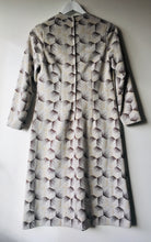 Load image into Gallery viewer, Sweet Daroma cream/brown patterned vintage 1960s mod shift dress S to M