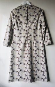 Sweet Daroma cream/brown patterned vintage 1960s mod shift dress S to M