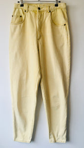 1980s vintage pale yellow high waist jeans M