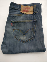 Load image into Gallery viewer, Levi jeans 501