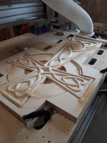 Cutting cross with CNC