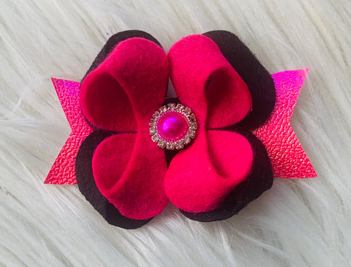 Pink/black bloom
