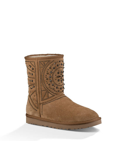 UGG FIORE DECO STUDS IN CHESTNUT