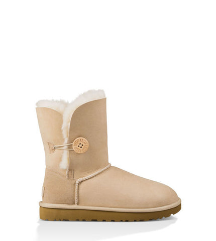 UGG BAILEY BUTTON SHORT SAND