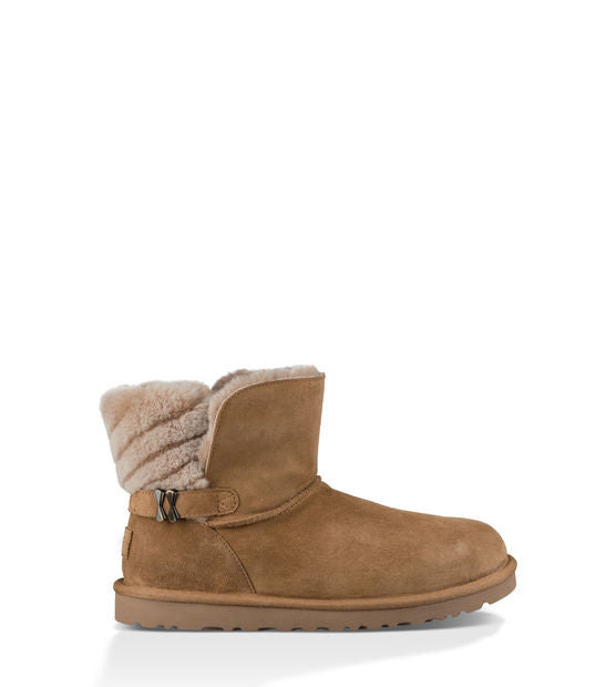 UGG ADRIA SHORT BOOTS IN CHESTNUT - decadenceboutique - 1