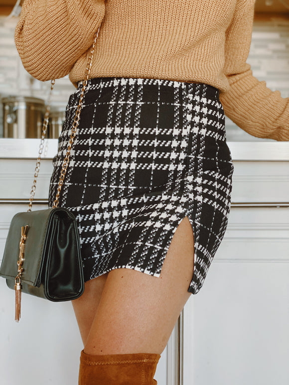 Between the lines skirt