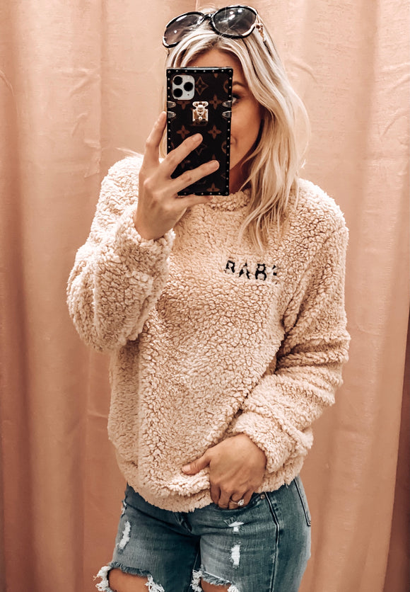 BABE SHERPA PULLOVER IN TAN