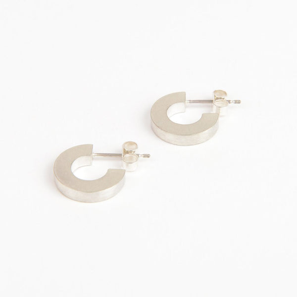 Small Silver Hoop Earrings - Béton - Tom Pigeon
