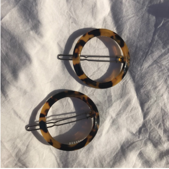 Round Georgina Clip in Tortoiseshell by Etta Collective