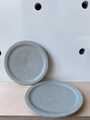 Small plate in Grey by Hands On Clay