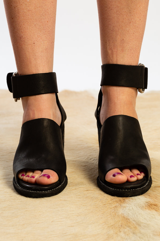Guidi Black sandal heel leather strap