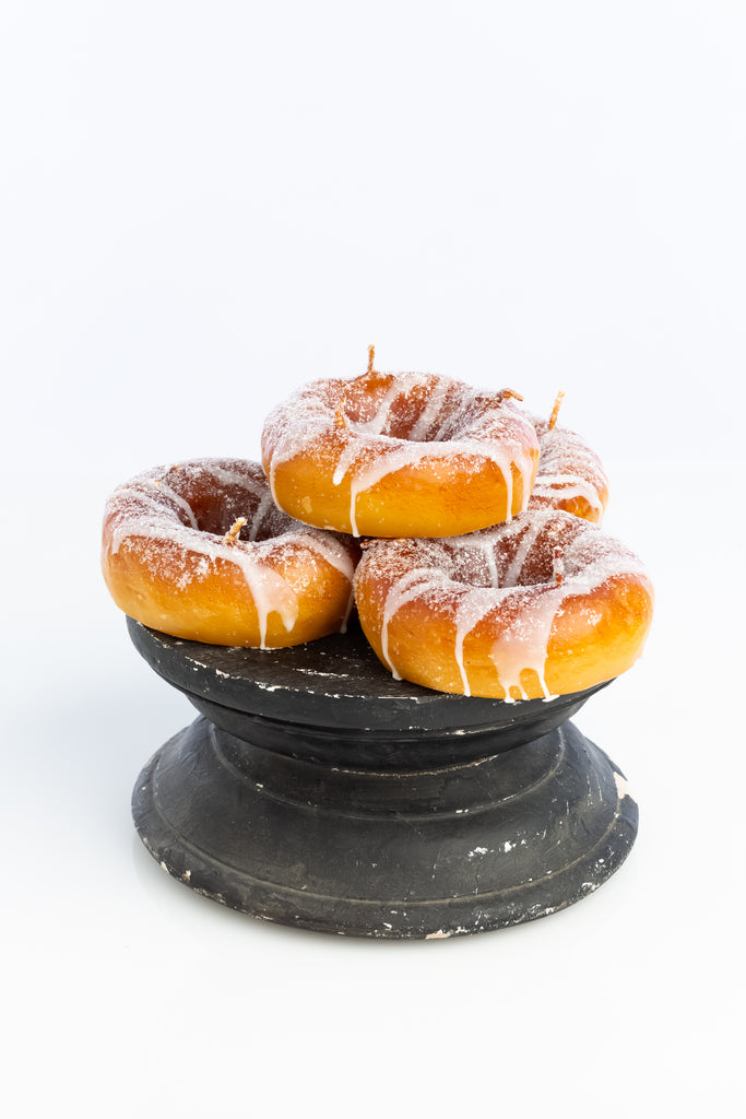 Introna Donut Candle