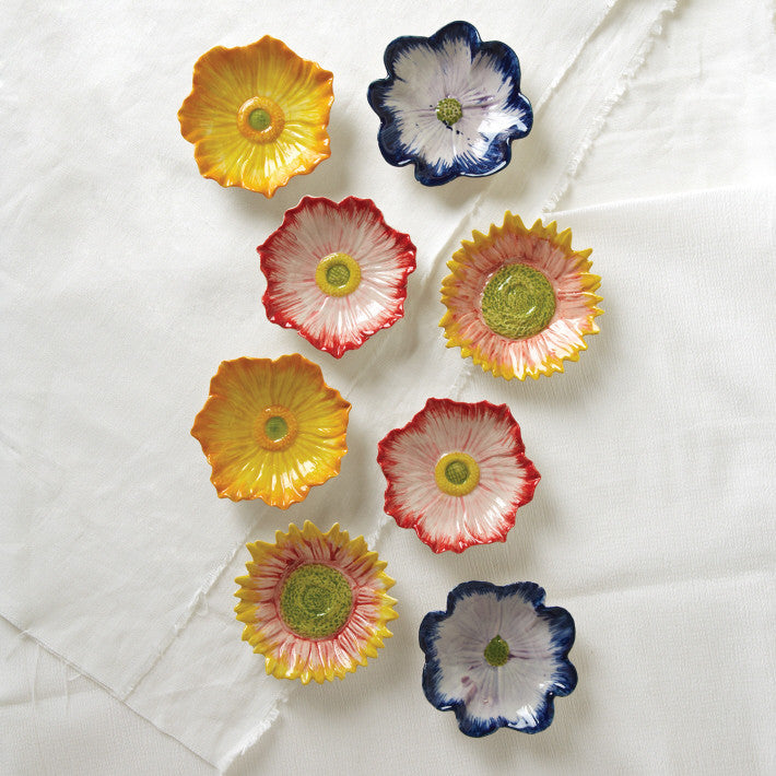 Tozai Home S/8 Daisy Flower Plates A/3 Colors - Set of 4 - Discontinued