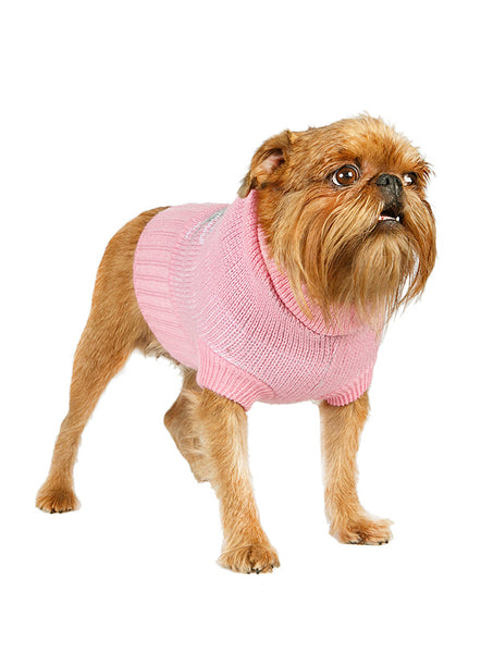 dog-wears-pink-and-grey-argyle-sweater