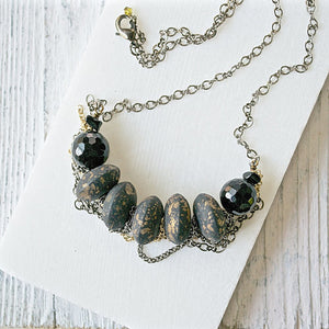 Vintage Black & Gold Wood Bead With Jumbled Chain Necklace Uni-T