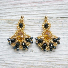 Black & Gold Statement Necklace & Earrings Uni-T