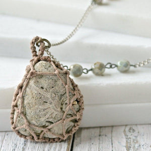 Macrame Stone-Wrapped Pendant with Seed Beads Uni-T