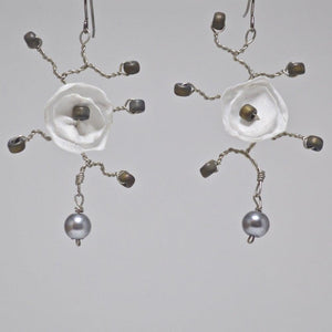 Flower Earrings - White Uni-T