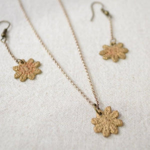 Daisy Earrings, Precious Metal Clay Earrings -99% Pure Bronze Uni-T