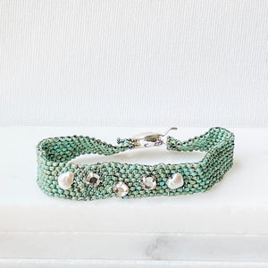 Turquoise Woven Bead Bracelet with Freshwater Pearls and Crystals Uni-T Bracelets